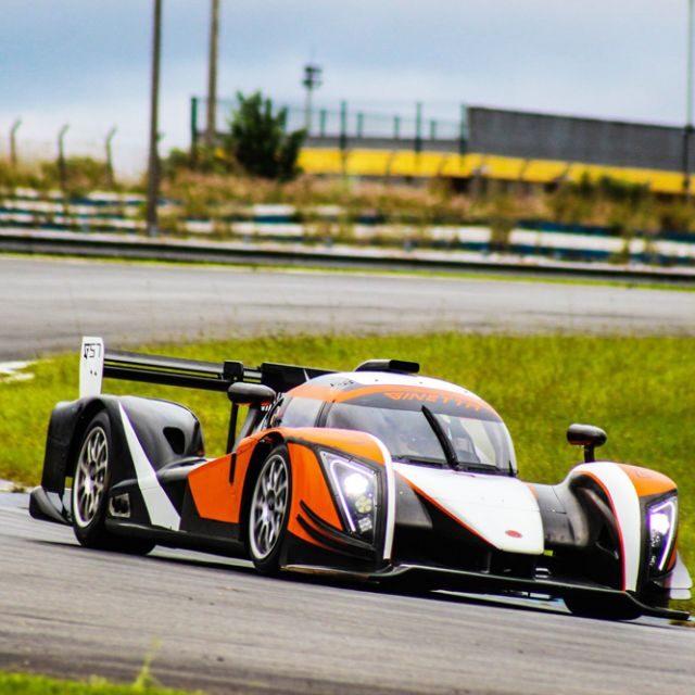 A GT Xtreme Shine está apoiando uma grande equipe de pilotos na Endurance Brasil